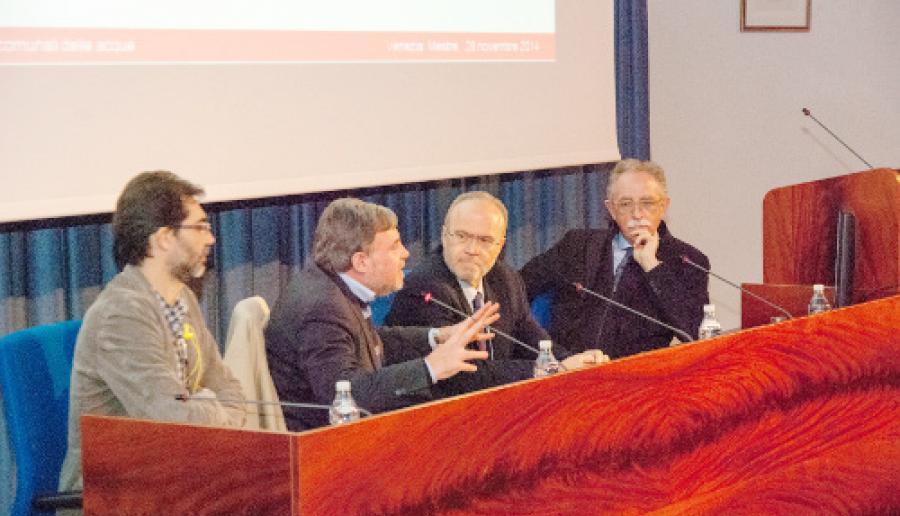un momento dell'incontro sullo stato di attuazione dei piani delle acque comunali