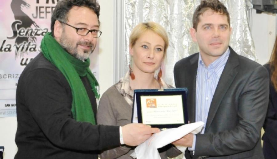 l'assessore consegna il premio migliori ristoratori 2012