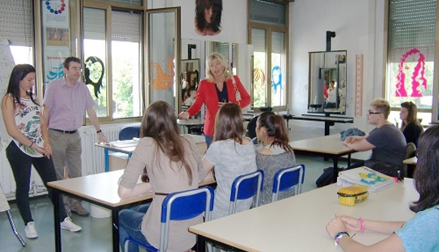 Francesca Zaccariotto in aula del Cfp di Marghera durante gli esami finali